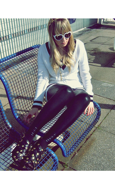 No label sweater - new look leggings - Atmosphere shoes - Atmosphere sunglasses