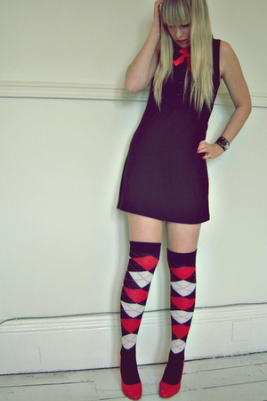 Atmosphere dress - TJ Hughes shoes - Atmosphere socks - No label accessories