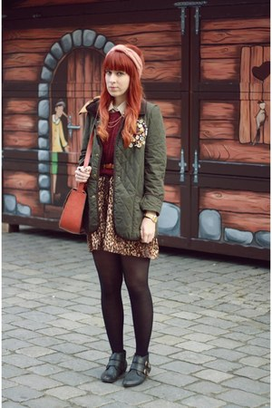 dark green Siren London jacket - crimson H&amp;M sweater