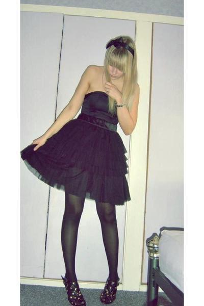 black H&M skirt - black and gold Atmosphere shoes - black H&M dress