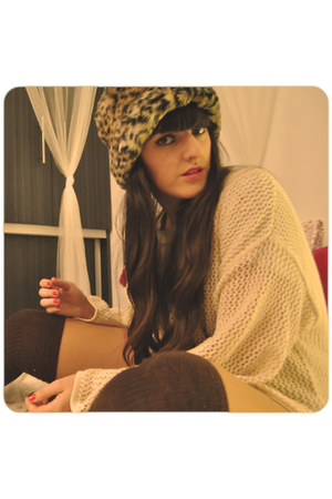 camel Zara hat - neutral H&M sweater - dark brown Calzedonia socks