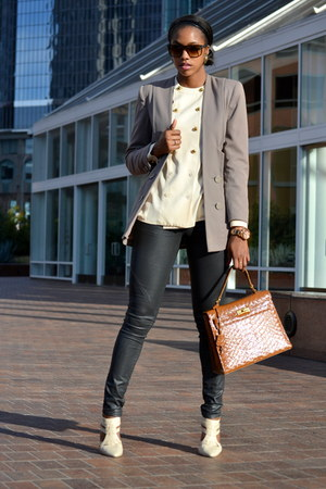 eggshell Anne Klein blouse - black H&M pants