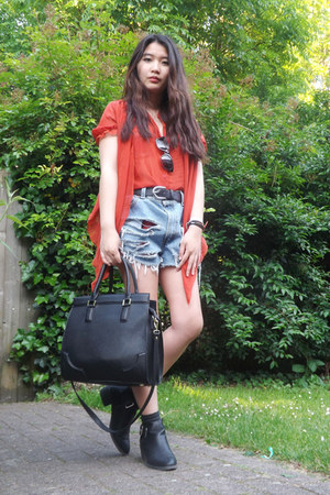 H&M boots - H&M bag - Levis shorts - H&M belt - Coco Fashion blouse