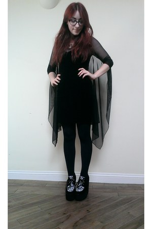 black velvet winged H&M dress - black creeper Ebay wedges