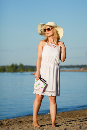 ONeill dress - clutch Guess bag - bikini la vie en rose swimwear