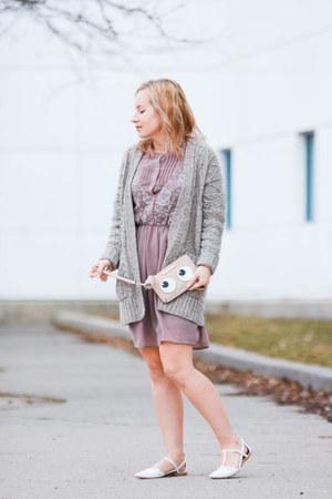 clutch Poppy & Peonies bag - Doe & Rae dress - chunky knit madewell cardigan