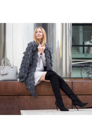 charcoal gray furry MARC CAIN coat - black Buffalo boots