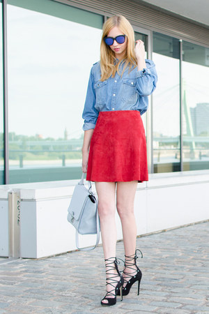 black strappy Buffalo heels - blue denim shirt Pinko shirt