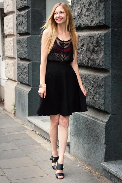 d511f57dbce54 midi skirt H M skirt - lace top H M top - American Apparel bra