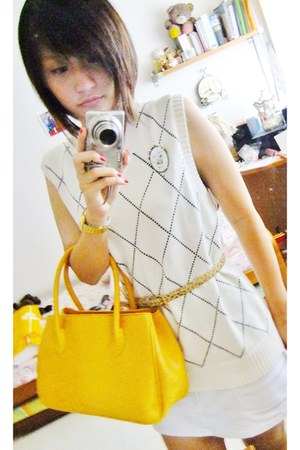 mustard vintage bag - cream checkered vest - dark brown leopard prints belt