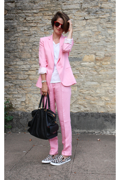 bubble gum linen Zara suit - black Marc by Marc Jacobs bag