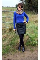 Burberry scarf - Topshop skirt