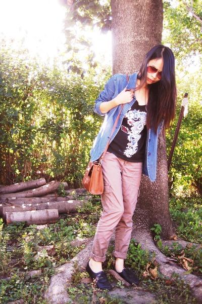 dragon top - bag - beige pants - floral glasses