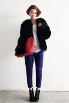 black faux fur Style Nanda coat - white shirt - carrot orange Nanda bag