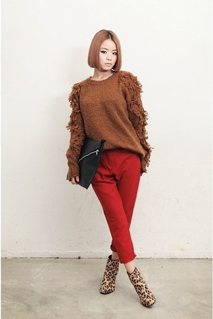 bronze top - coral pants