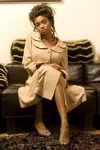 trench coat Amai Unmei coat - christian dior heels