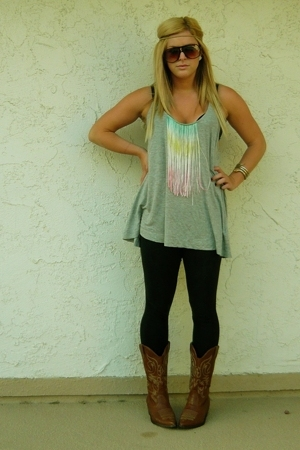 gray Forever21 top - brown boots - black leggings