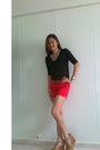 Red-gap-shorts-burnt-orange-esprit-belt-black-forever-21-blouse