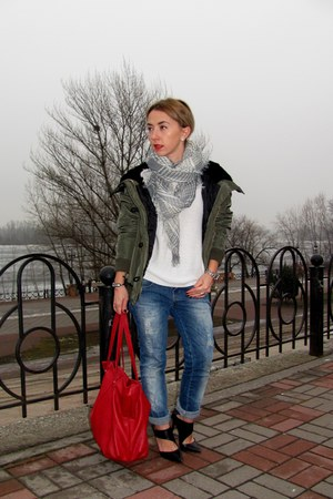 army green Stradivarius blazer - ruby red Bershka bag - black Zara heels