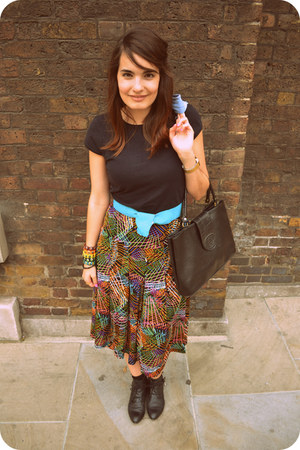 Topshop boots - grandma bag - Zara t-shirt - grandma skirt - mother belt