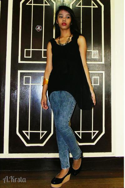black Beso Beso top - denim baleno jeans - gold Blas accessories