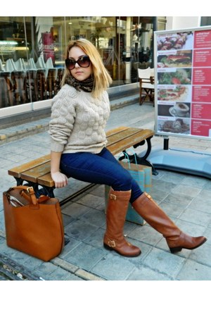 River Island boots - Zara jeans - sweater - Zara bag - tomford sunglasses