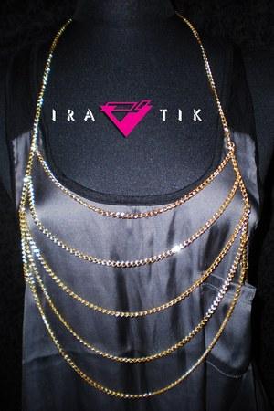 IRATIK vest