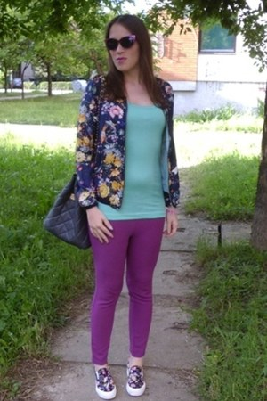 magenta cat eye OASAP sunglasses - floral bomber Zara jacket