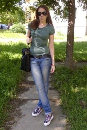 skinny Pimkie jeans - backpack Romwecom bag - Oasapcom sunglasses