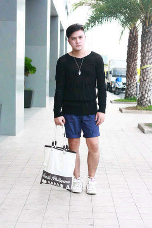 KULTURA SM DEPT STORE bag - Uniqlo shorts - Markus top - Levis sneakers