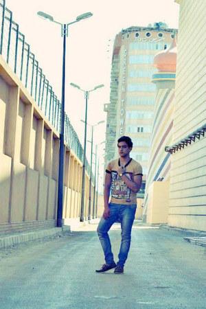 gold Zara shirt - brick red sebago H&M pants - blue jeans Bershka flats - yellow