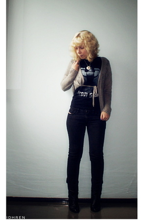 Diesel jeans - Iron sky t-shirt - Vero Moda blouse - bronx shoes