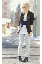 GINA TRICOT leggings - Sand blazer - GINA TRICOT t-shirt - Tiger of Sweden boots