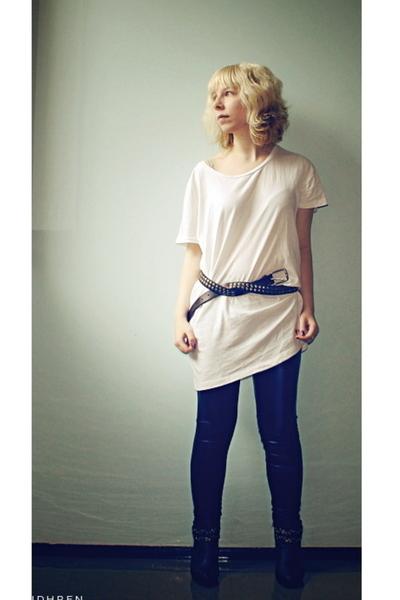 GINA TRICOT t-shirt - Ida Sjstedt pants - Global Essentials shoes - boyfriends b