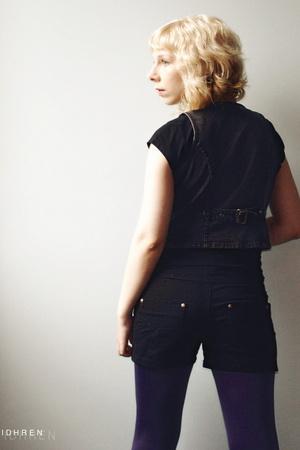 Vila shorts - second hand vest - Norlyn panties - Filippa K t-shirt
