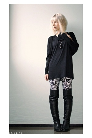 white zebra American Apparel leggings - black over the knee Ten Points boots
