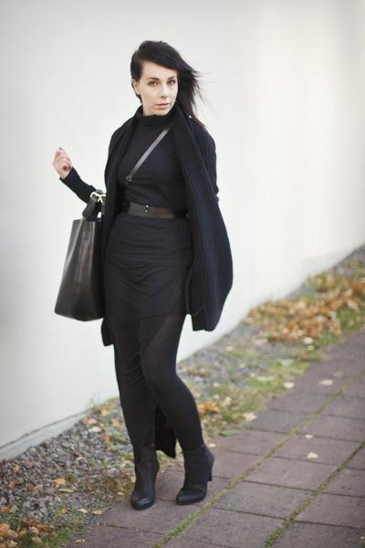 black polo neck Filippa K jumper - black leather ann demeulemeester belt