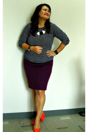 pinstripes shirt - pencil skirt Forever 21 skirt - Zara Trf pumps - necklace