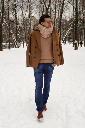 neutral Salvatore Ferragamo sweater - burnt orange Dolce&Gabbana boots