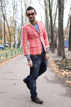 light yellow Barneys tie - crimson Paul van haagen boots - navy Dsquared2 jeans