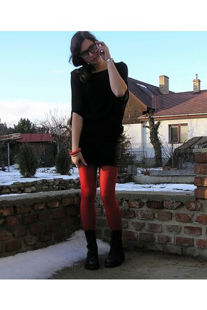 black second-hand boots - red Bepon tights - black second-hand skirt - black war
