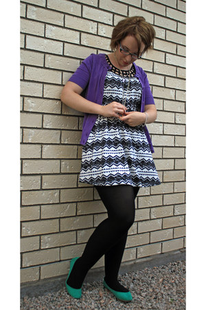 black and white dress - amethyst cardigan - teal flats - zebra necklace