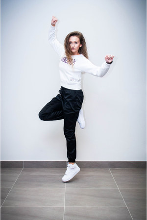 white second hand blouse - black Mohito watch - black Mohito pants