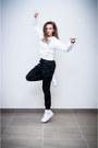 White-second-hand-blouse-black-mohito-pants-black-mohito-watch