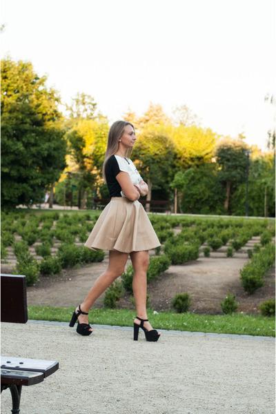 black Yups t-shirt - black H&M sandals - tan Tally Weijl skirt