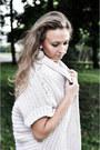 Light-pink-yups-dress-beige-zara-sweater-tan-stradivarius-heels