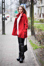 Red-second-hand-coat-black-unknown-leggings-beige-second-hand-shirt
