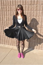 black suede Urban Outfitters boots - black heart Forever 21 tights