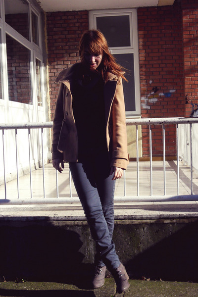 tan New Yorker coat - black sweater - navy Terranova pants - dark brown wedges