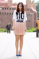 peach skirt - white t-shirt